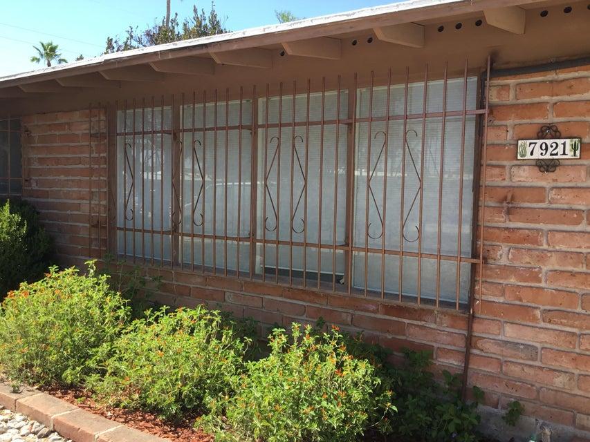 7921 E JULIA Place, Tucson, AZ 85710