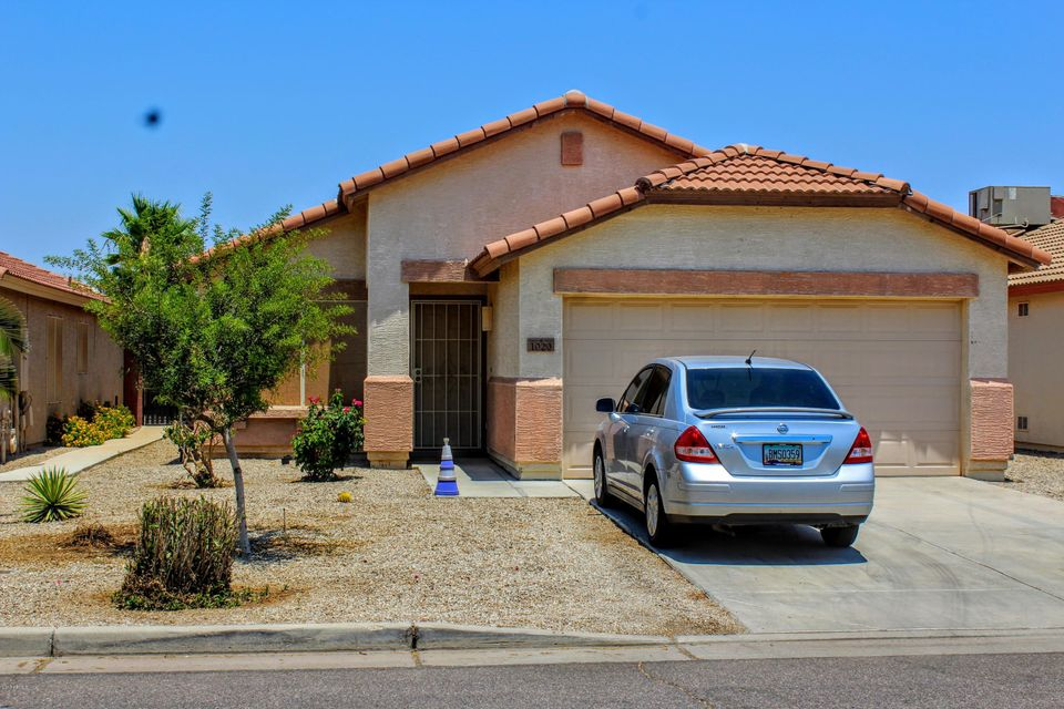 1020 E VERNOA Street, San Tan Valley, AZ 85140