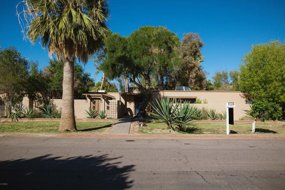 2106 W SHAWNEE Drive, Chandler, AZ 85224