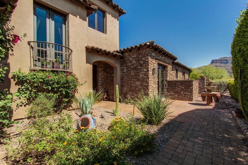 8102 E GREYTHORN Drive, Gold Canyon, AZ 85118