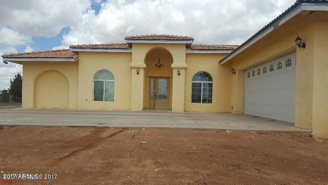 3207 N HAWTHORN Avenue, Douglas, AZ 85607