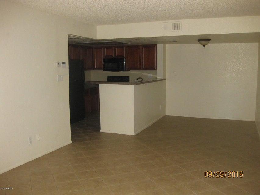 5757 W EUGIE Avenue 1058, Glendale, AZ 85304