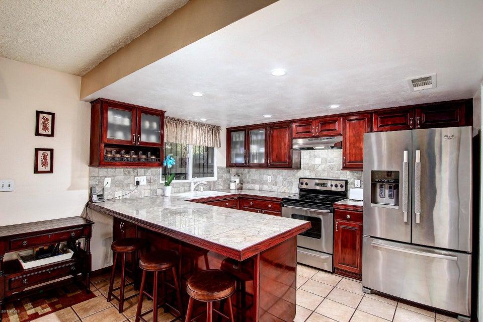 2804 E CLARENDON Avenue, Phoenix, AZ 85016