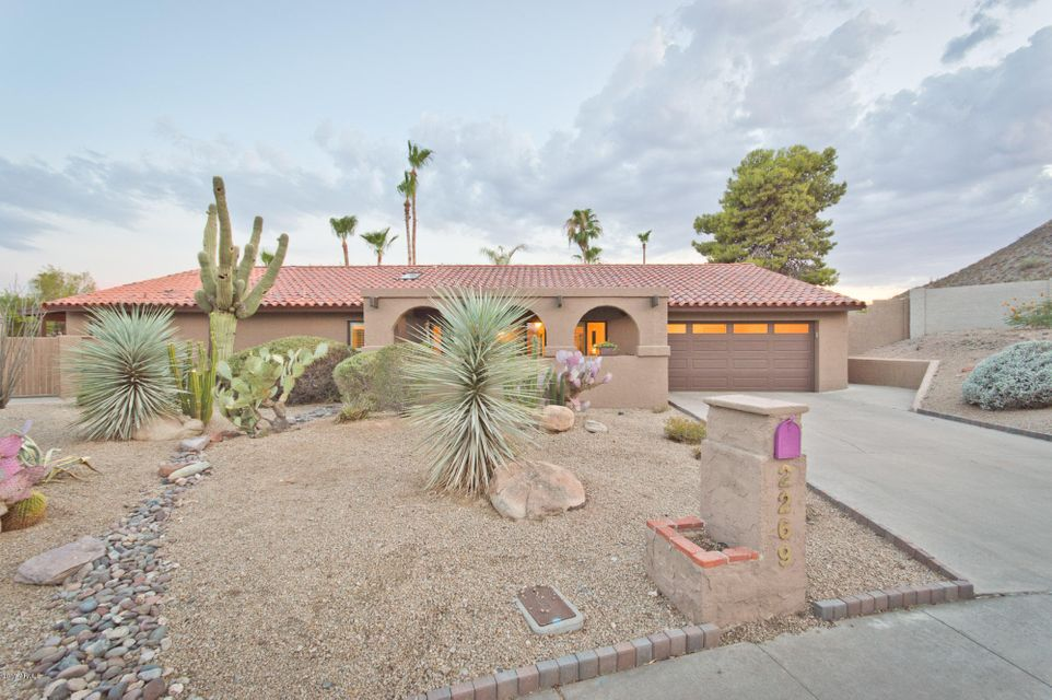 2269 E Clinton Street, Phoenix, AZ 85028