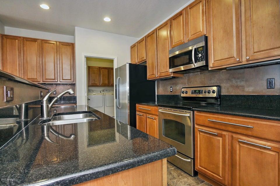 15662 W MEADOWBROOK Avenue, Goodyear, AZ 85395