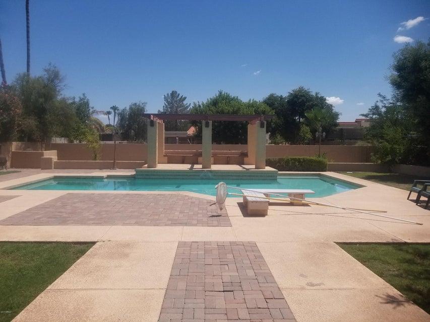 511 E SECRETARIAT Drive, Tempe, AZ 85284