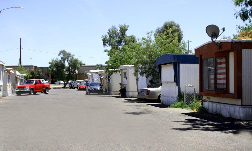 6570 N GRAND Avenue, Glendale, AZ 85301