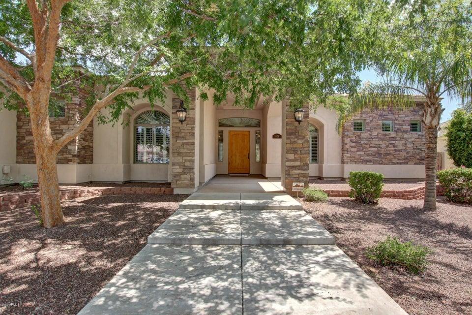925 E VALENCIA Drive, Phoenix, AZ 85042