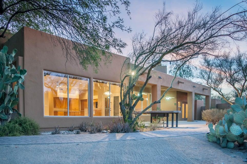 4042 E FANFOL Drive, Phoenix, AZ 85028