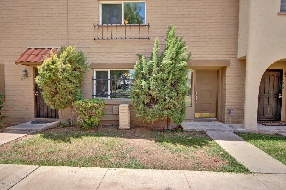 2952 E CLARENDON Avenue, Phoenix, AZ 85016
