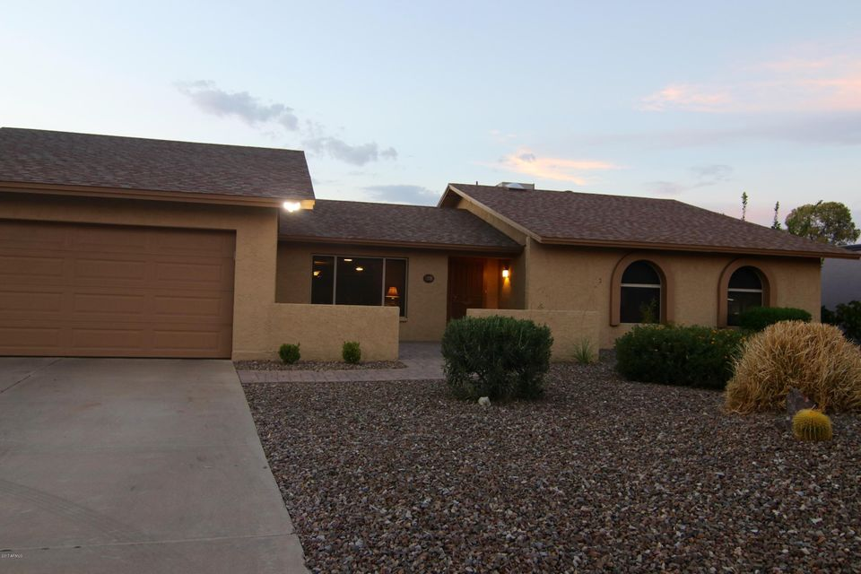 2818 E HILLERY Drive, Phoenix, AZ 85032