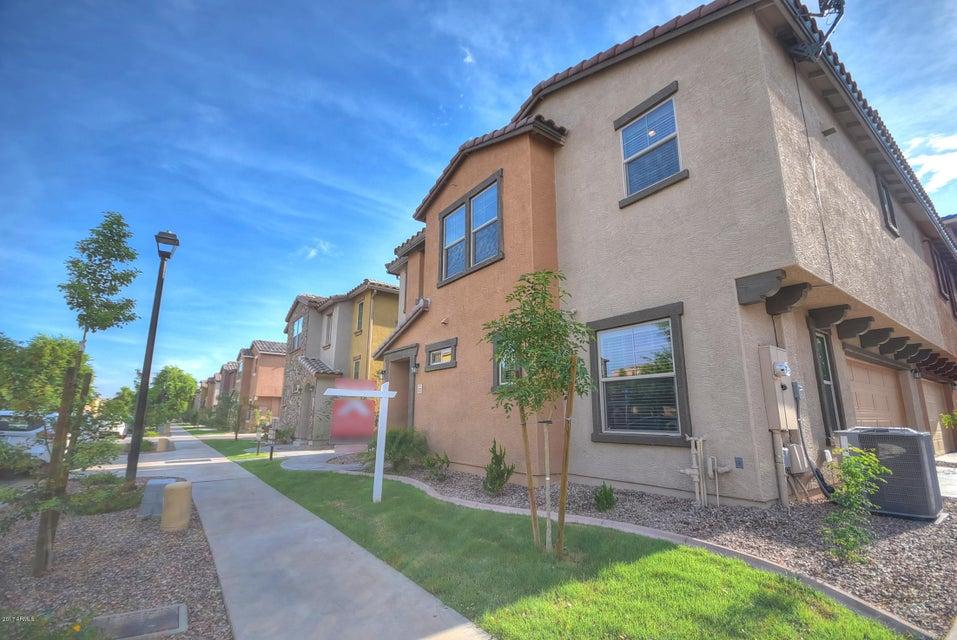 1820 N 77TH Glen, Phoenix, AZ 85035