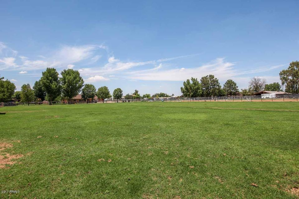 3271 S EAGLE Drive, Chandler, AZ 85286
