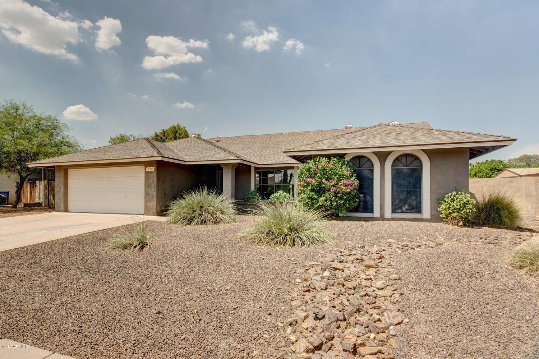 928 W LODGE Drive, Tempe, AZ 85283