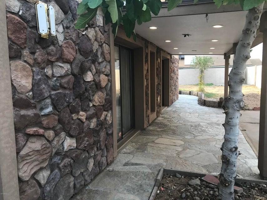 5330 W VOGEL Avenue, Glendale, AZ 85302