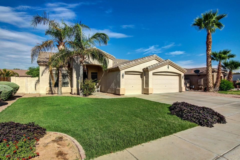 1667 S Heritage Drive, Gilbert, AZ 85295
