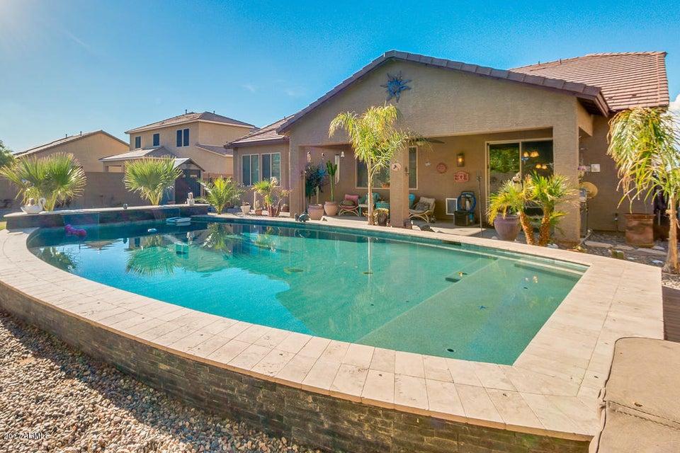 18613 W CINNABAR Avenue, Waddell, AZ 85355