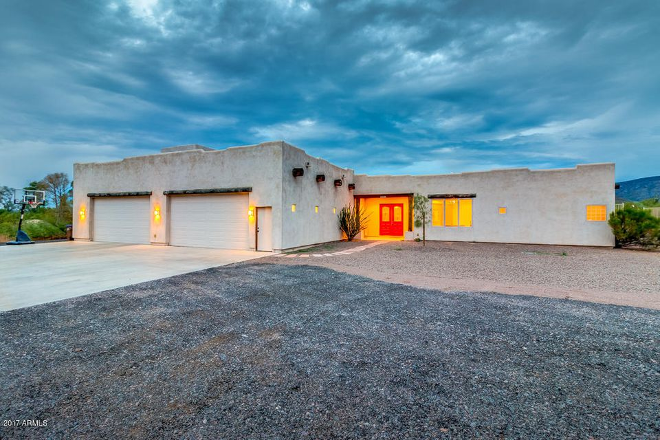 45412 N 14TH Street, New River, AZ 85087