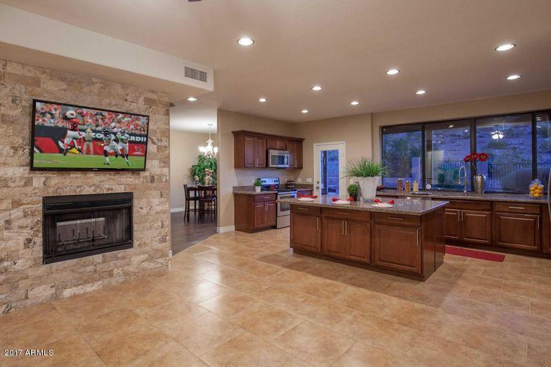 15033 S 39TH Street, Phoenix, AZ 85044
