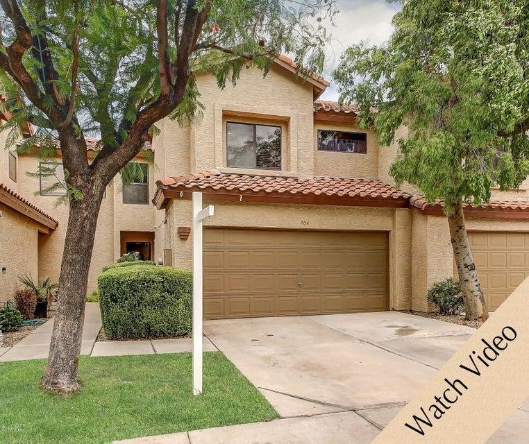 704 S SAINT MARTIN Drive, Gilbert, AZ 85233