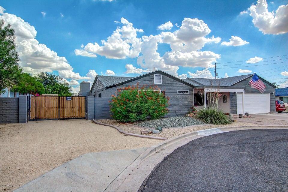 1221 E ROYAL PALM Road, Phoenix, AZ 85020