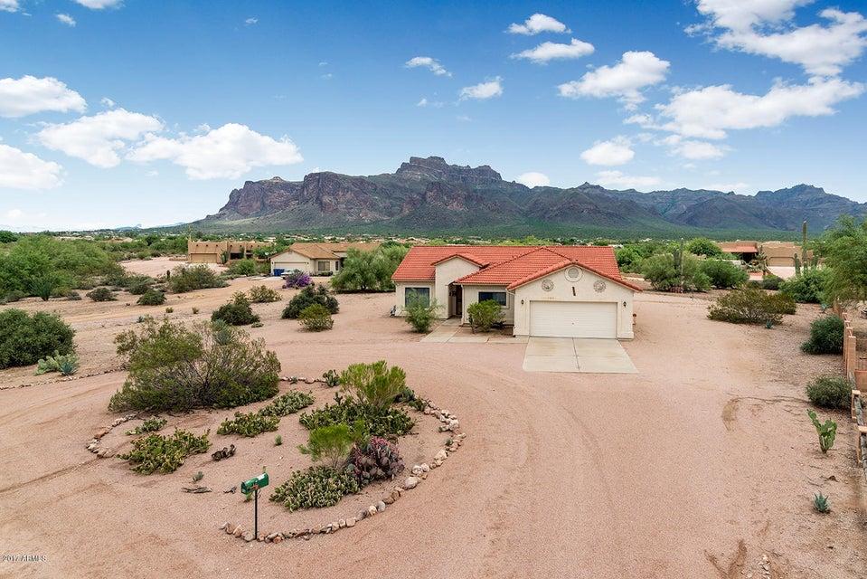 715 S MOON Road, Apache Junction, AZ 85119