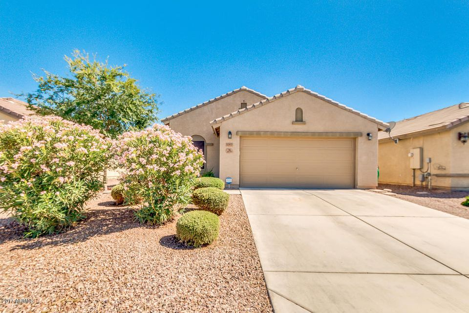 1083 W DESERT HILLS Drive, San Tan Valley, AZ 85143