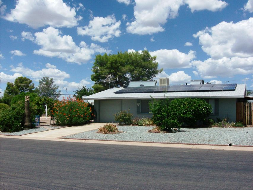 144 W Peretz Circle, Morristown, AZ 85342