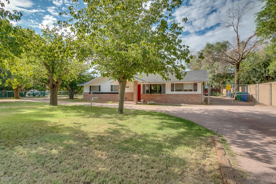 4624 E SOUTHERN Avenue, Mesa, AZ 85206