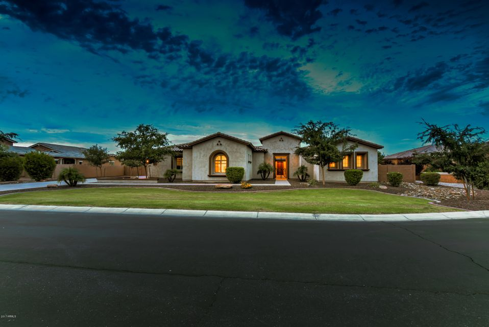 2934 E FRUITVALE Avenue, Gilbert, AZ 85297