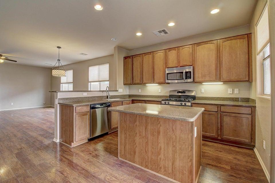 499 E Trellis Road, San Tan Valley, AZ 85140