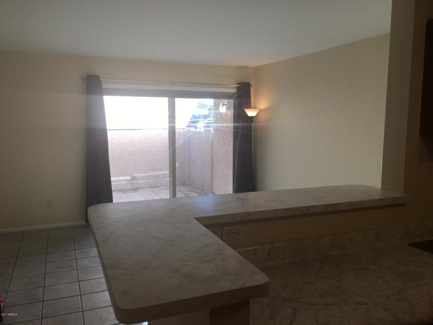 623 W GUADALUPE Road 187, Mesa, AZ 85210