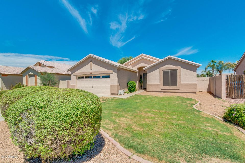 3892 S SINOVA Avenue, Gilbert, AZ 85297