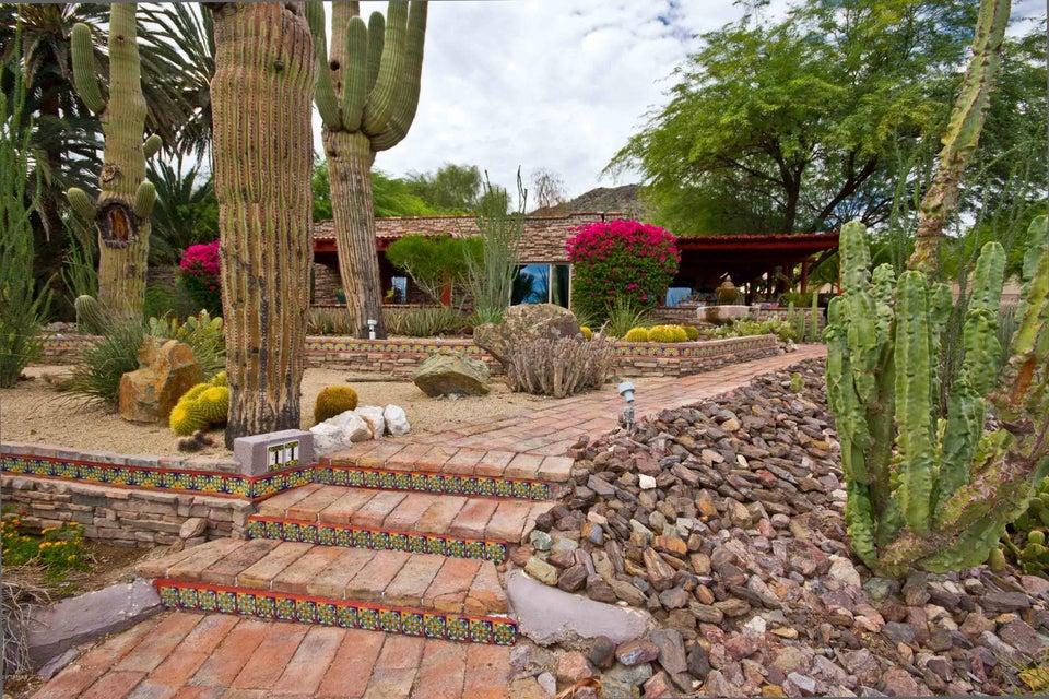 44 E FOOTHILL Drive, Phoenix, AZ 85020