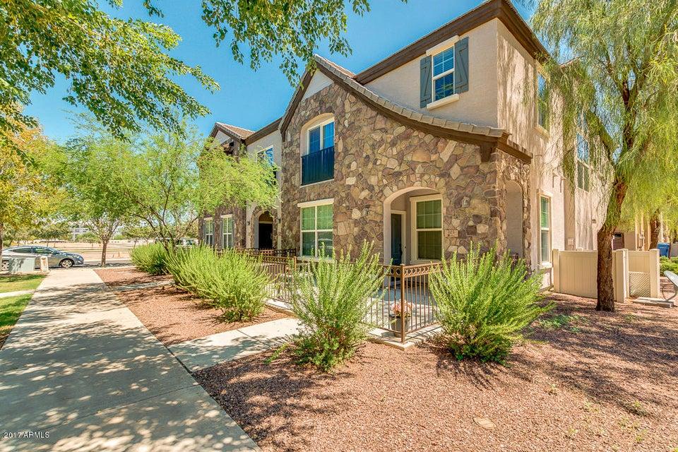 2726 S EQUESTRIAN Drive 102, Gilbert, AZ 85295