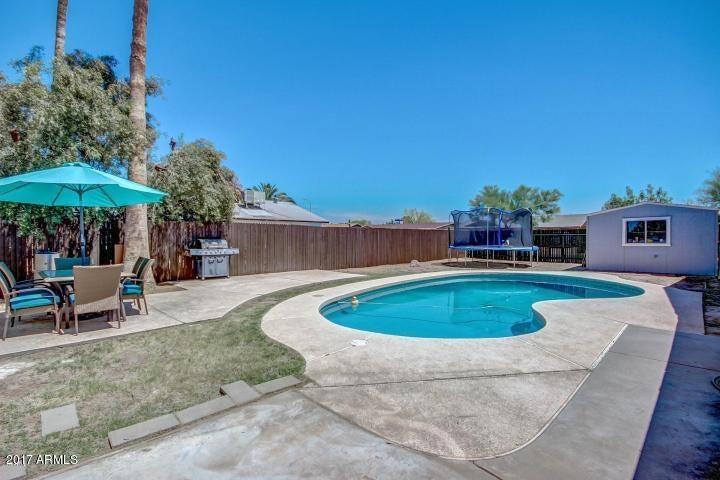 8714 W Pinchot Avenue, Phoenix, AZ 85037