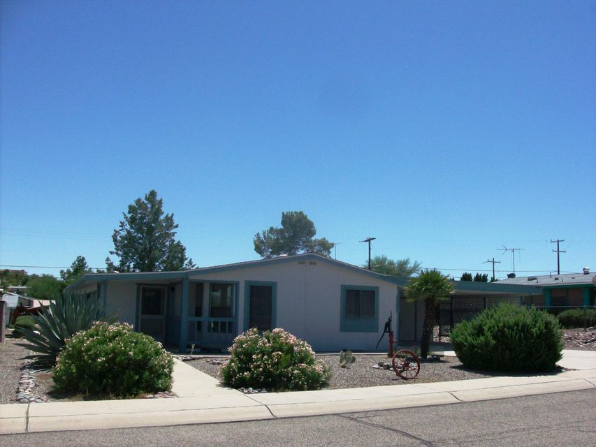 2051 W Smoketree Drive, Wickenburg, AZ 85390