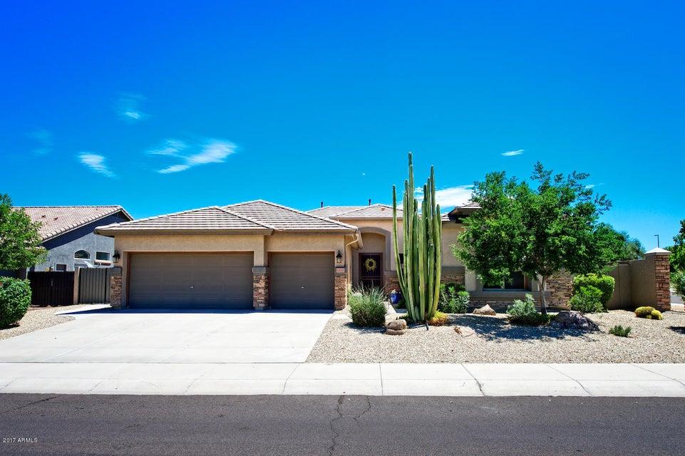 6687 S CRESTVIEW Drive, Gilbert, AZ 85298