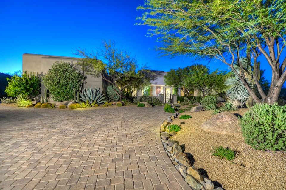 8300 E Dixileta Drive 215, Scottsdale, AZ 85266
