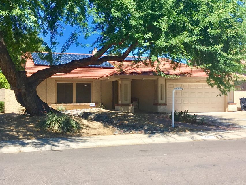 1826 E REDFIELD Road, Phoenix, AZ 85022