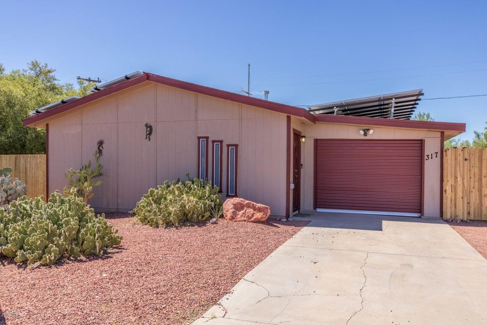 317 PERETZ Circle, Morristown, AZ 85342