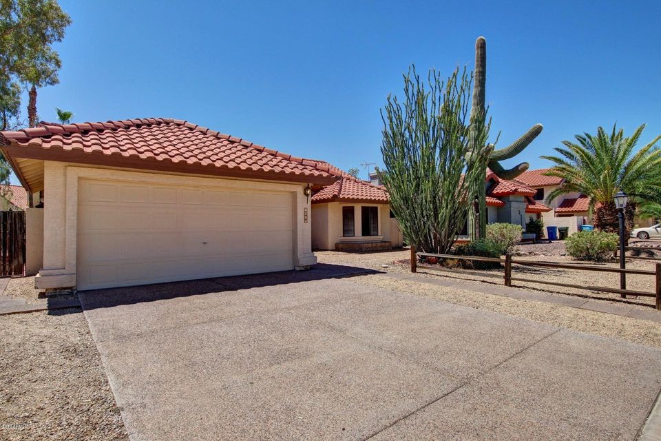 1909 E REDFIELD Road, Phoenix, AZ 85022