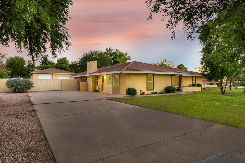 709 E Barbarita Avenue, Gilbert, AZ 85234
