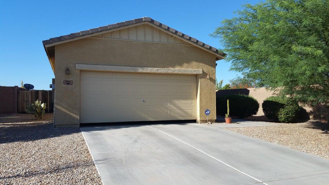 744 W DANA Drive, San Tan Valley, AZ 85143