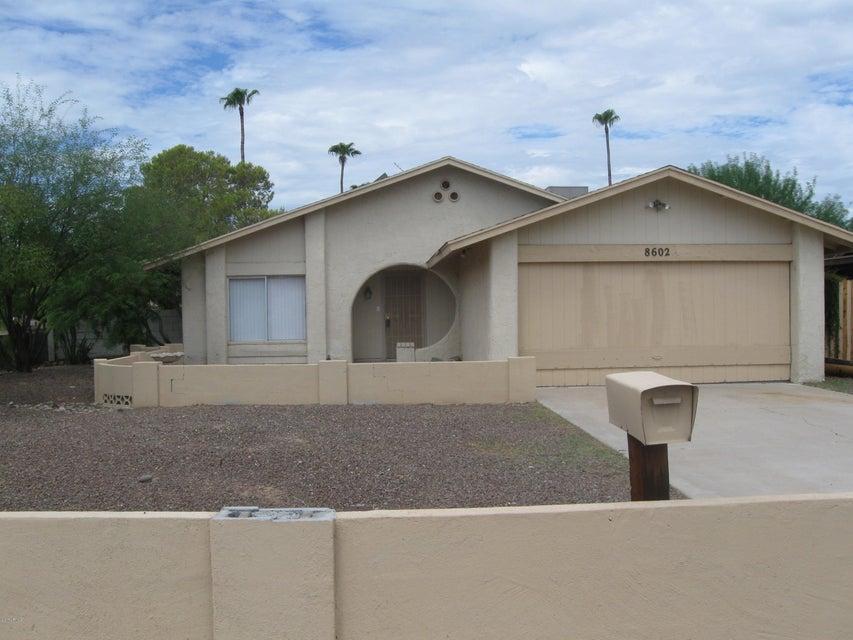 8602 N 55TH Avenue, Glendale, AZ 85302