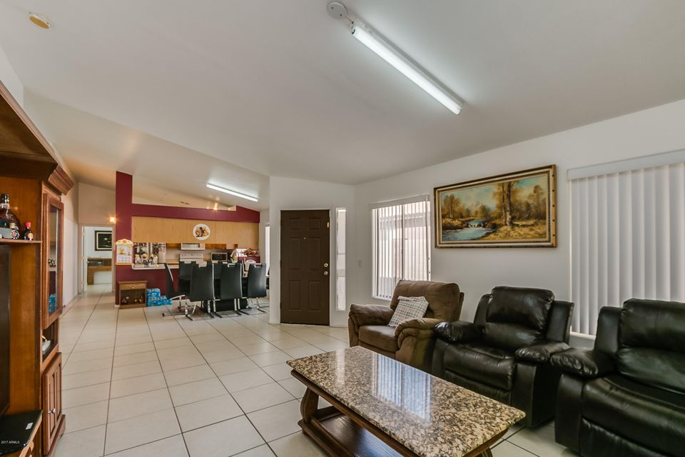7737 W RANCHO Drive, Glendale, AZ 85303