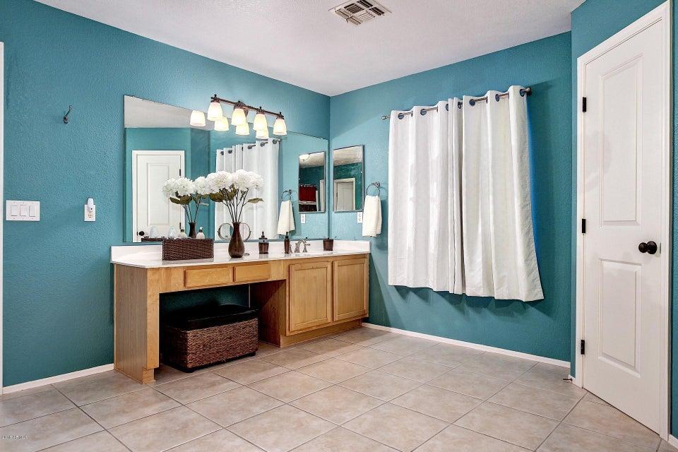 2044 E RUBY Lane, Phoenix, AZ 85024-8616 $439,900 www ...
