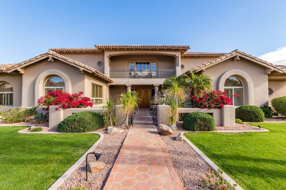 Reduced 50k Expansive Ranch Home With 5 Car Garage: Ahwatukee-Ahwatukee Foothills Homes For Sale Ahwatukee