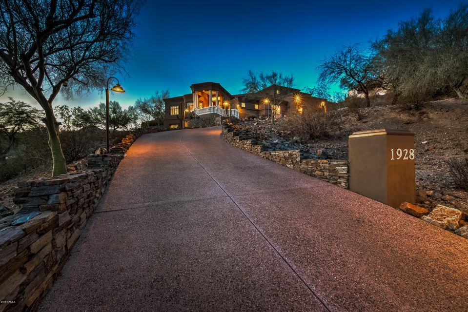 Property for sale at 1928 E Clubhouse Drive, Phoenix,  Arizona 85048
