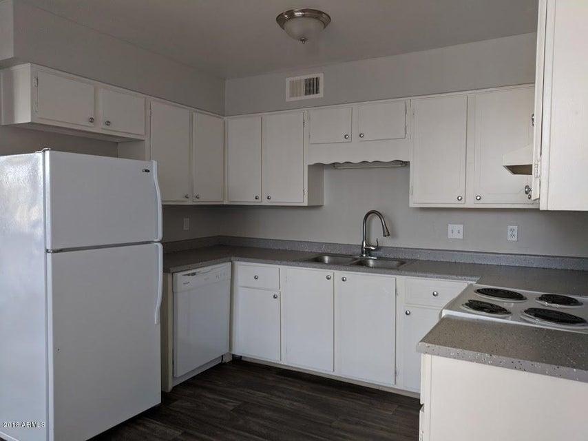 2339 W NORTHERN Avenue Unit 105 Phoenix, AZ 85021 - MLS #: 5796243